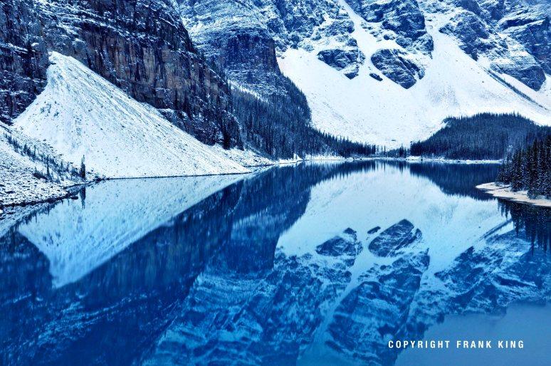 moraine-lake-banff snow
