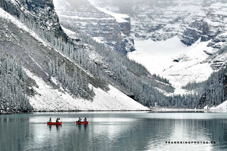 Lake Louise canoes snow