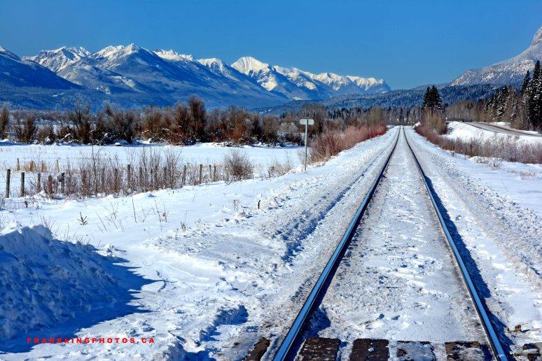 RailroadTracksWeb1