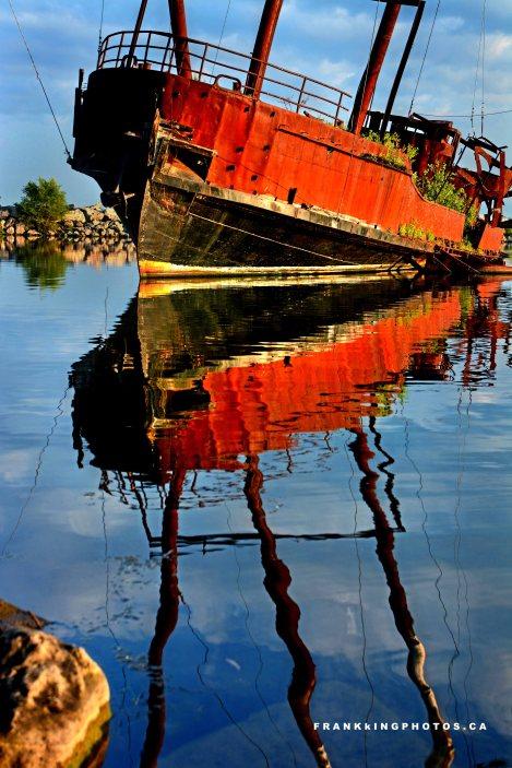 Niagara old boat